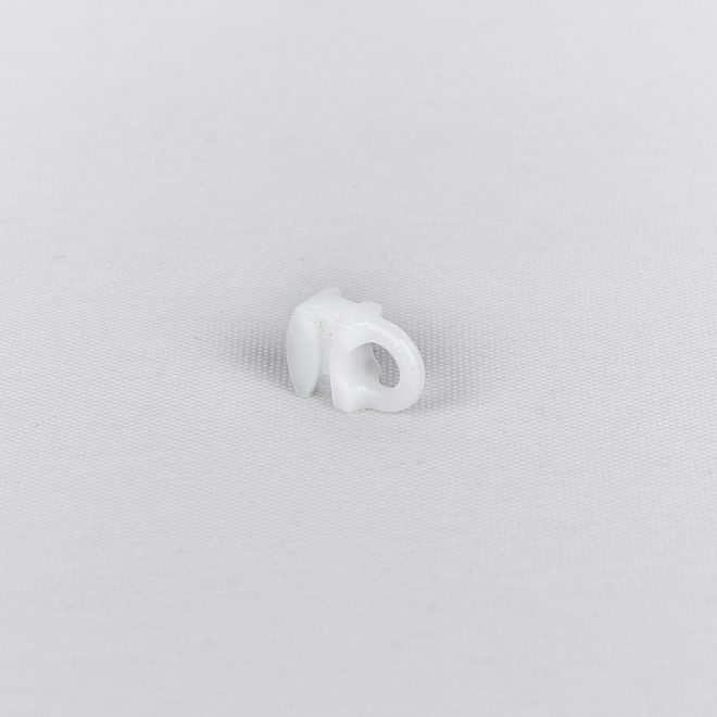 Plast. slankiojanti kilputė kabliukui ir met. segtukui baltos sp. Nr. 4048